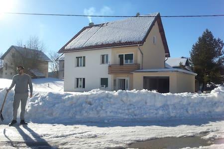 Family house- in center of Kupres - Kupres - Hus