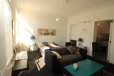 Bright and quiet suite - Schaarbeek - Wohnung