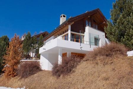 Casa  in Engadina  con vista panoramica sul fiume. - Pontresina - House