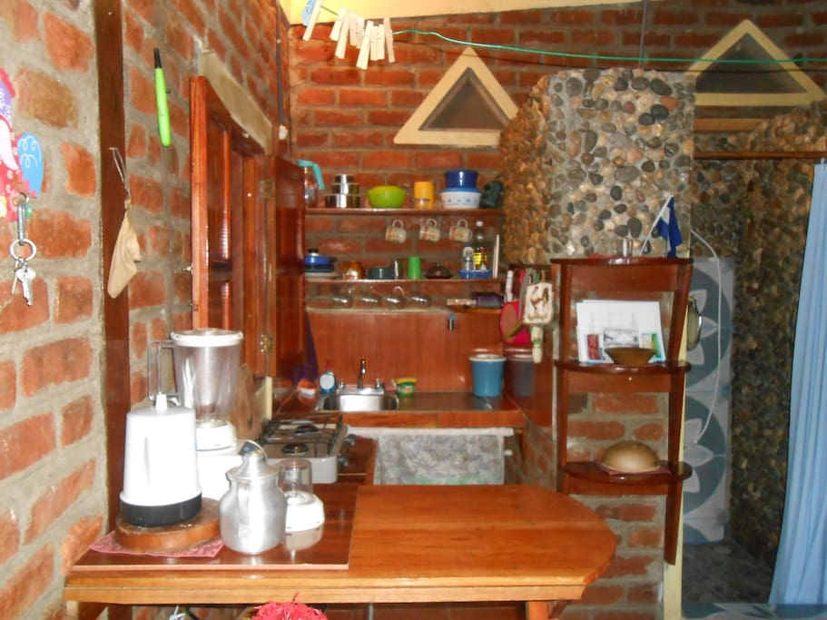 Ometepe private beach cabin w kit for 2 5 guests for Beach cabin kits