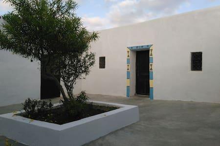 TAGHAZOUT RIAD BERBERE AVEC PISCINE - Agadir