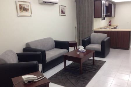 One-Bedroom Furnished Apartment (H) - Apartament