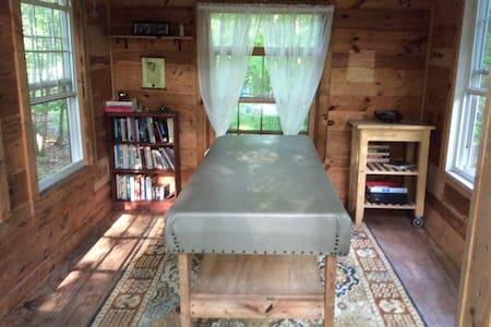 Sleeping Shed - Hut