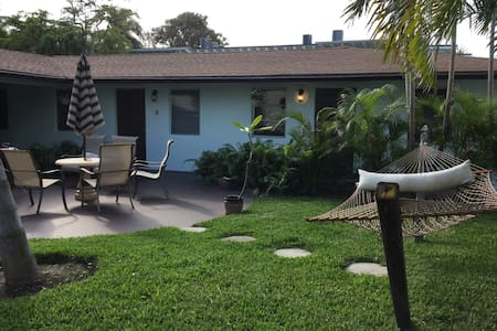 LIFE'S A BEACH on Singer Island! - Bungalow
