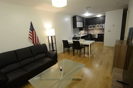 Modern & spacious 1BR on Manhattan, A & 1 lines - Nova Iorque - Apartamento