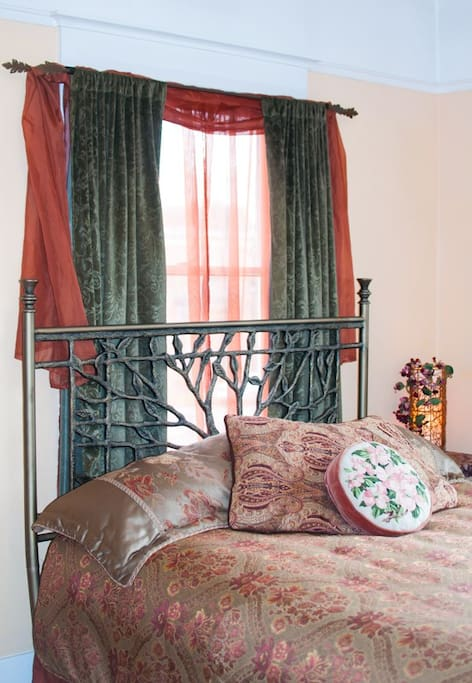 Brand Queen size bed with luxurious linens and down comforter