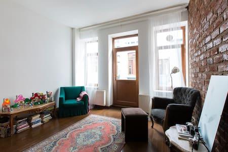 Comfy renovated apartment in an old building - Beyoğlu - Lägenhet