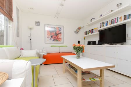 Holidayhouse for up to 16 people - Zeewolde