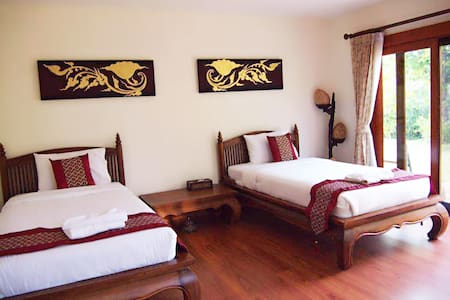CC House,twin room of pool villa - Chiangmai - Bed & Breakfast