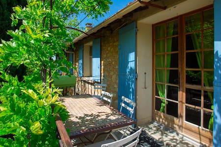 Grand appartement avec terrasse - Malemort-du-Comtat  - Dom