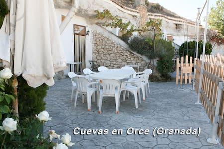 Alojamiento Casa Cueva 6 Personas 96€ - Orce