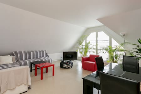 Charmant appartement (F2)  65 m2 - Byt