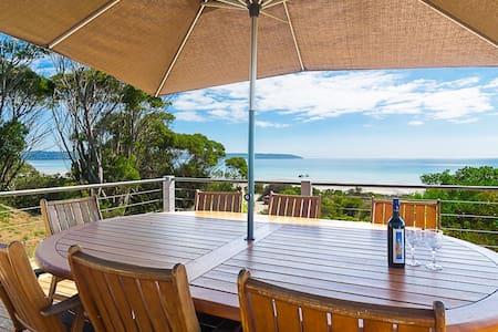 Beach House, right on the beach..panoramic views - Island Beach