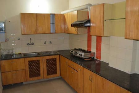 Pal Pent House- short Stay guests - Apartment