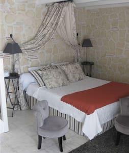chambre JOSEPHINE SUITE FAMILIALE - Villeréal