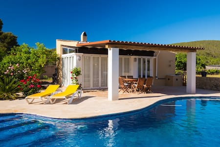 Holiday house with pool - Casa