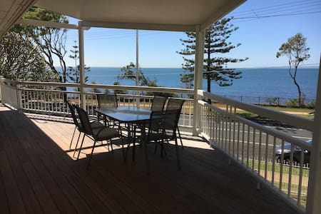 Waterfront Beach house, Pool, Quiet, 5 bedrooms - Scarborough
