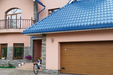 Very big and lovely house for rent - Tīraine