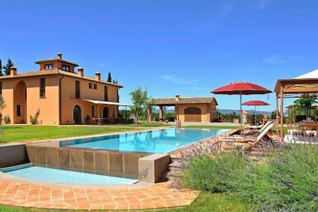 Villa i Longobardi - Peccioli - Villa