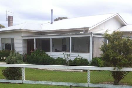 Port Albert Holiday House - Port Albert - Ev