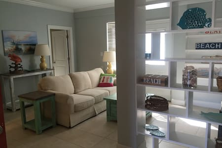 Cozy 2 br/1 ba Downstairs Apartment - Orange Beach - Apartment