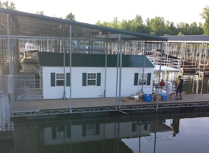 Cottage on the Water (Houseboat) - Ashland City - Stuga
