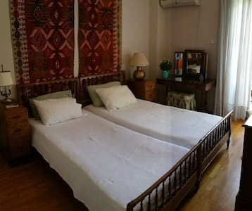 Stylish and comfy rooms in Athens, near the beach - Flat