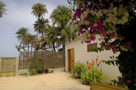 La petite maison sur la plage - Palmarin