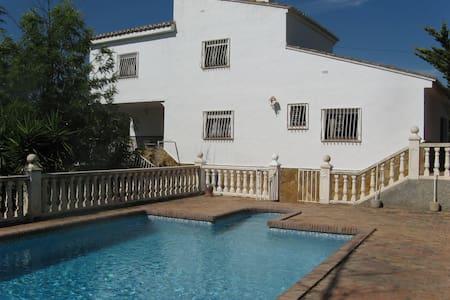 Villa Tir na Nog - Godelleta