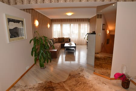 Family-friendly Apartment EMINTA - Kuressaare - Appartement