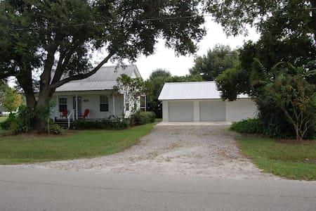 Cottage Home Close to Lake Rosalie - Lake Wales - Huis