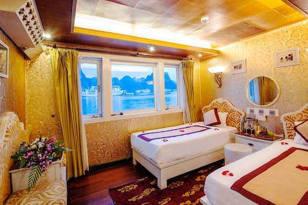 Ocean Cabin To  Bai Tu Long Bay - Ha Long - Boot