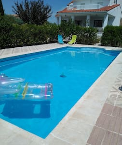 Apartment in house with pool - El Viso de San Juan