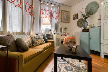 Adorable Studio in Belltown!