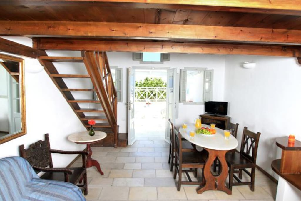 Apartment for four persons- Oia