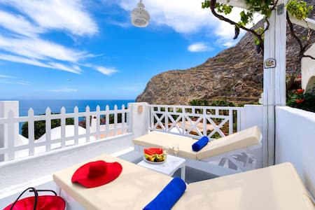 Ifijenia's beach house - Kamari