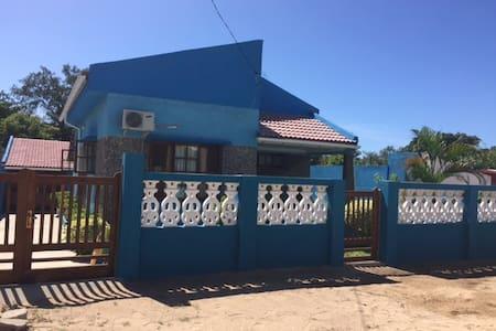 Blue Beach House at Tofo Beach - Tofo Beach - Casa