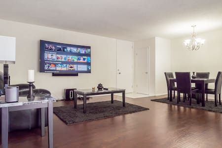 Spacious Private Room & Bathroom in Beverly Hills - Beverly Hills