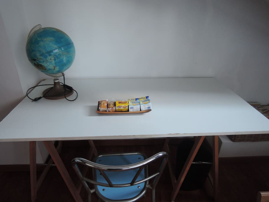 small's room table