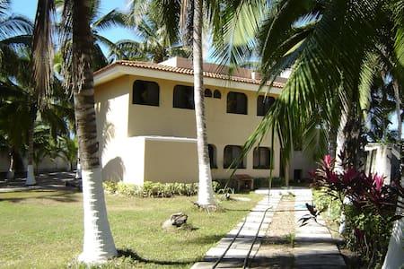 Casa en lo de Marcos a pie de playa - Lo de Marcos