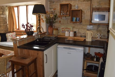 Barrel Store Cottage, a warm, snug, rustic retreat - Σπίτι