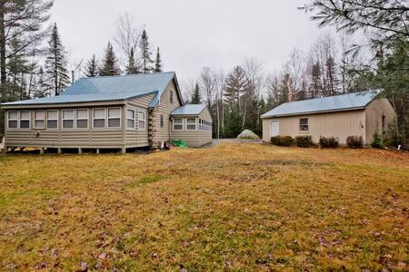 Cozy Log Cabin near Sugarloaf! - New Portland - Stuga