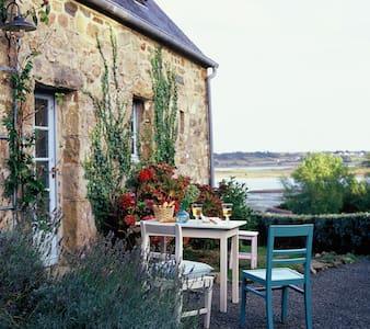 Schönes Fischerhaus mit Meerblick - Casa