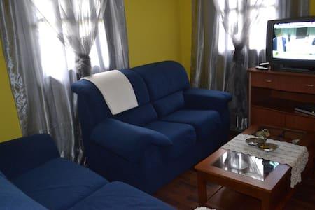 PISO COQUETO  Y  TRANQUILO,  WIFI (IDEAL FAMILIAS) - Avilés - Apartamento