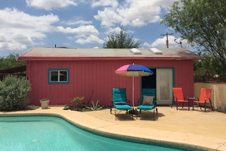 Colorful Casita with Pool - Guesthouse