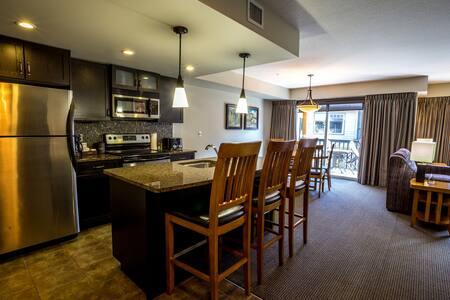 2 Bedroom Wilderness Retreat near Canmore - Condominium