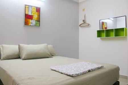 3R2B Apartment, 9km to Georgetown - Lakás