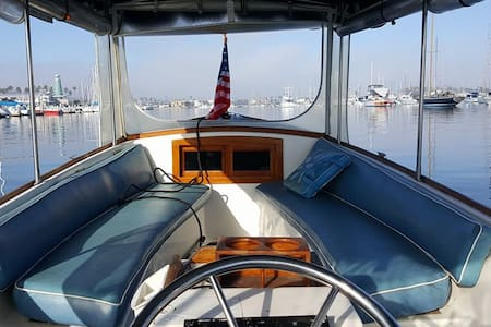 Charming Duffy boat in Newport Bay! - Newport Beach - Boat