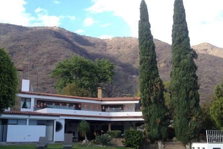 Casa Los Sopez/Lake front - Huis