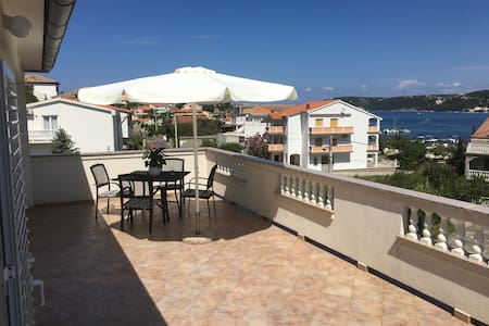 Room with great View, 100m to Seaside Promenade - House